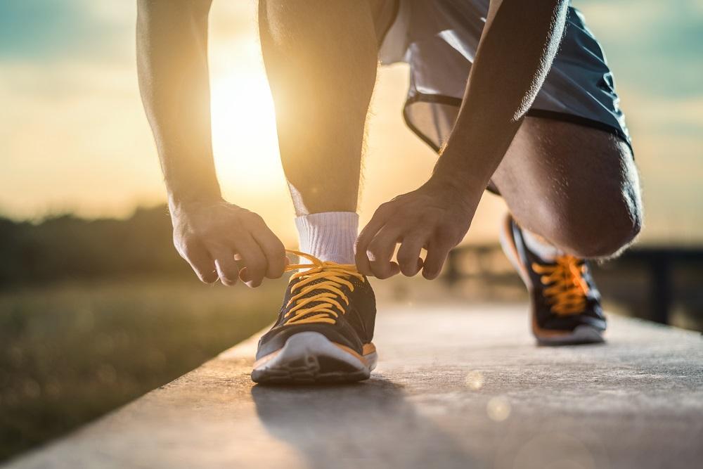 Que tal deixar o sedentarismo de lado e colher os frutos da prática de atividades físicas? Venha conferir a melhor forma de começar!