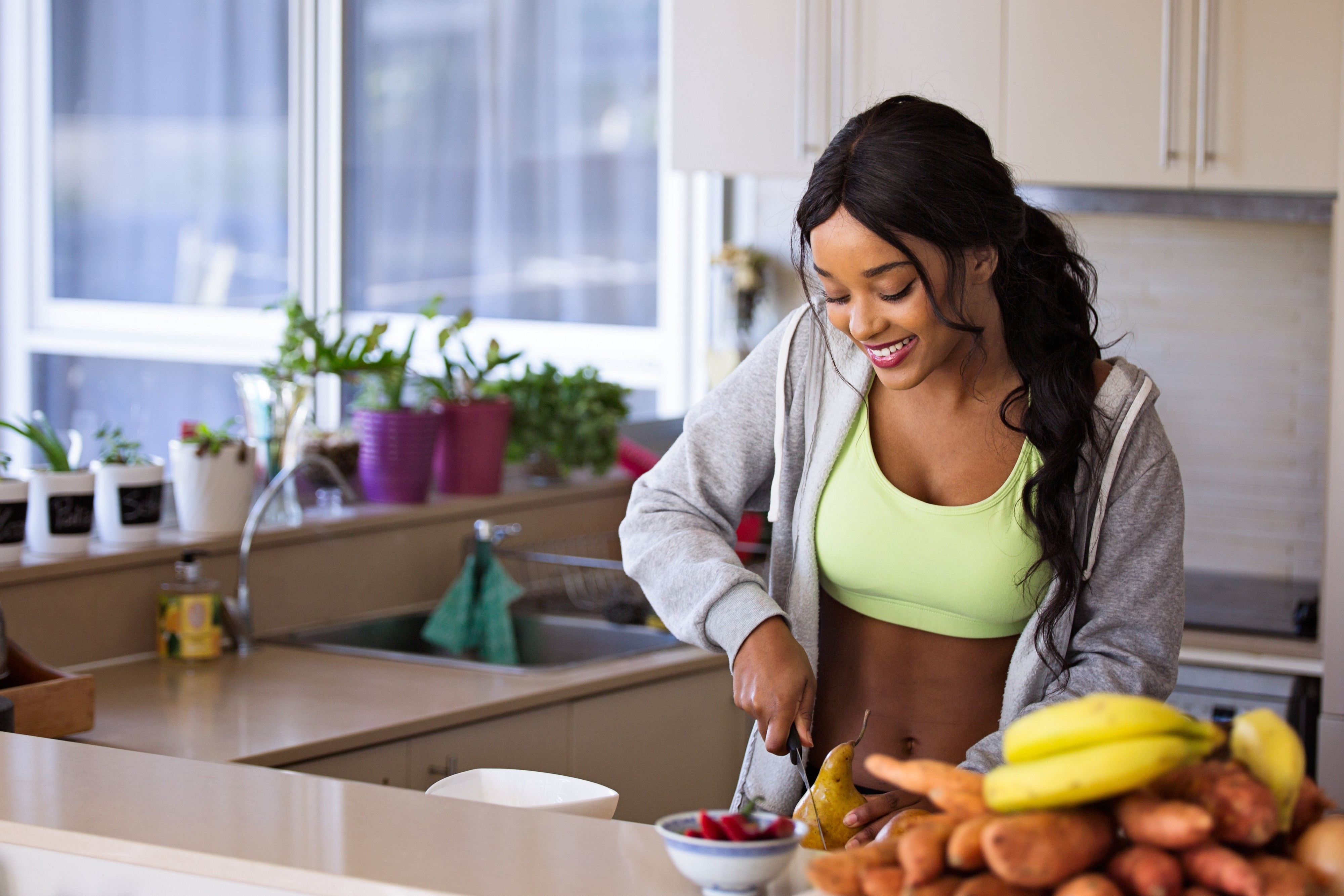 A saúde do nosso corpo, e também na mente, está ligada a alguns hábitos simples e fáceis de manter no dia a dia. Veja neste artigo alguns dos principais e comece hoje mesmo a cuidar da sua saúde!